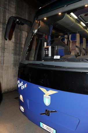 La Lazio rimane a piedi, il pullman non torna a prendere la squadra