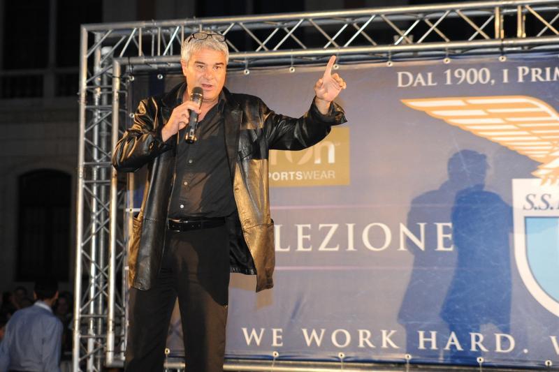 """Pino Insegno non ci sta alle critiche sul suo conto:""""prendete esempio dai romanisti"""""""